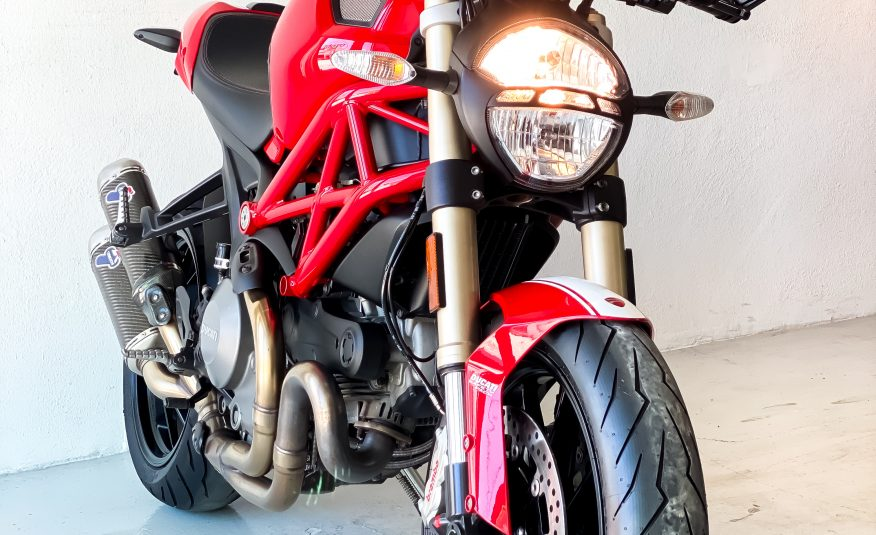 2013 Ducati Monster 1100 EVO